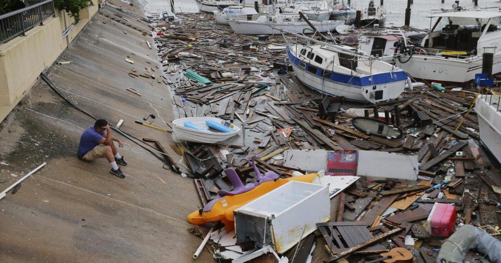 La tormenta tropical Hanna golpea el sur de Texas con fuertes vientos y fuertes lluvias a medida que aumentan los casos de coronavirus