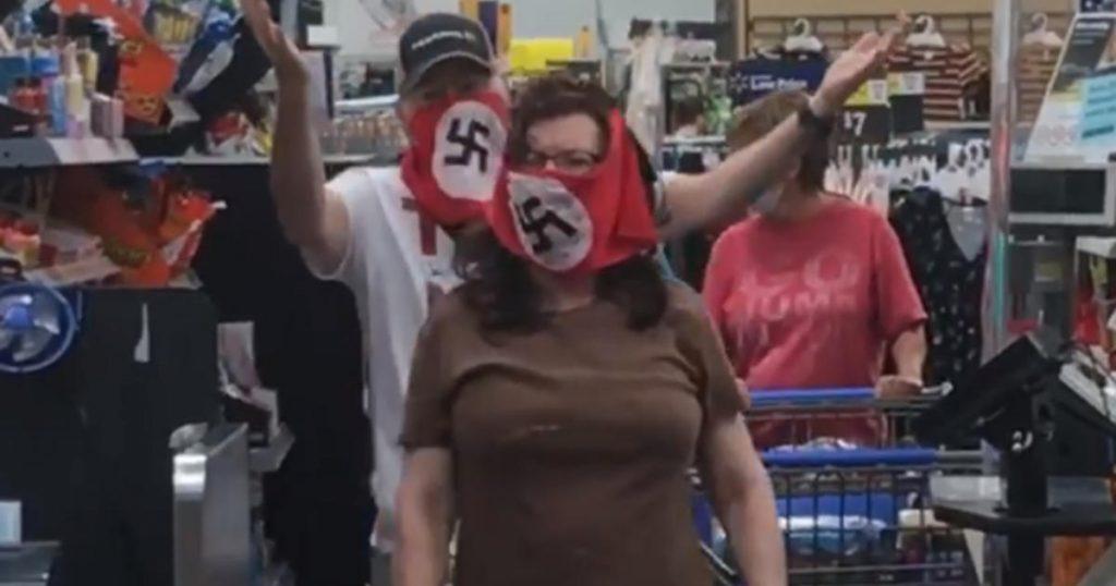 Máscaras de esvástica usadas en mi ciudad natal de Minnesota, Walmart. ¿Que esta pasando?