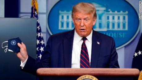 Trump dice que podría enviar hasta 75,000 agentes federales a ciudades de EE. UU.