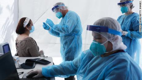 Las vacunas y máscaras anteriores pueden contener el Covid-19, dicen algunos investigadores