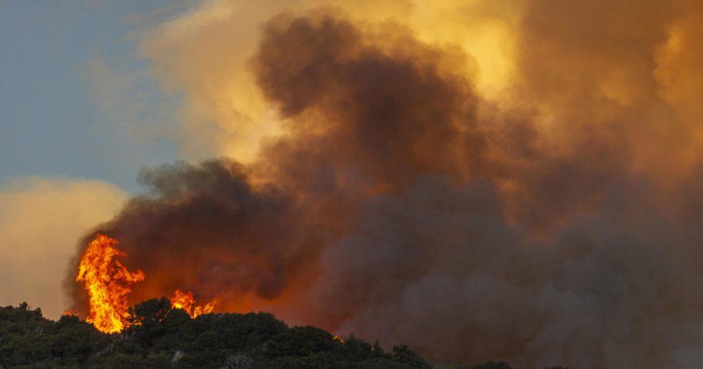 Apple Fire en California se extiende a más de 20,000 acres
